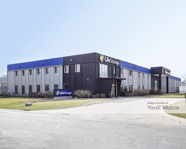 Storage Units for Rent available at 426 South Westgate Street, Addison, IL 60101 Photo Gallery 1