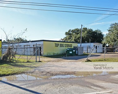Storage Units for Rent available at 815 FM 1765, La Marque, TX 77568 Photo Gallery 1