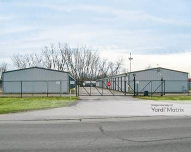 Storage Units for Rent available at 195 East Romeo Road, Romeoville, IL 60446