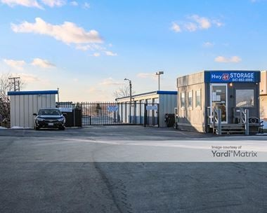 Storage Units for Rent available at 300 Old Skokie Hwy, Park City, IL 60085