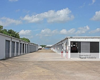 Storage Units for Rent available at 2600 South Highway 288B, Angleton, TX 77515 Photo Gallery 1