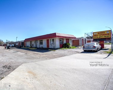 Storage Units for Rent available at 1009 Burke Road, Pasadena, TX 77506 Photo Gallery 1