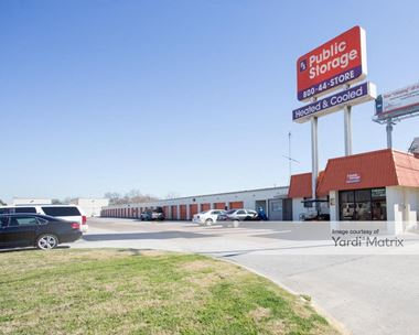 Storage Units for Rent available at 9030 North Fwy, Houston, TX 77037 Photo Gallery 1