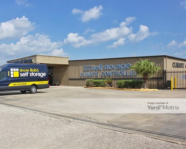 Storage Units for Rent available at 3400 Bayport Blvd, Seabrook, TX 77586 Photo Gallery 1