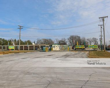 Storage Units for Rent available at 880 East Rollins Road, Round Lake Beach, IL 60073 Photo Gallery 1