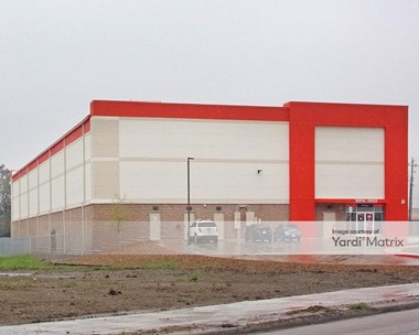 Storage Units for Rent available at 20602 Gulf Fwy, Webster, TX 77598 Photo Gallery 1