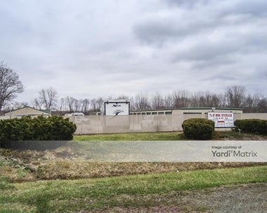 Storage Units for Rent available at 31715 SE Frontage Road, Wilmington, IL 60481 Photo Gallery 1