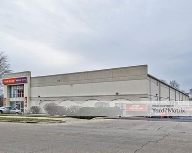 Storage Units for Rent available at 2399 South Finley Road, Lombard, IL 60148 Photo Gallery 1