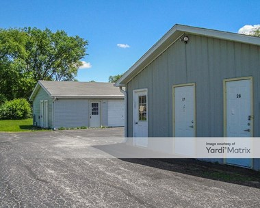 Storage Units for Rent available at 910 8th Street, Harvard, IL 60033 Photo Gallery 1