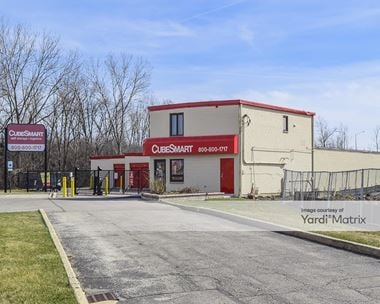 Storage Units for Rent available at 21W209 Lake Street, Addison, IL 60101 Photo Gallery 1