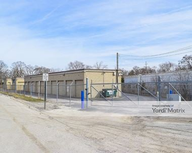 Storage Units for Rent available at 200 East Manor, Villa Park, IL 60181