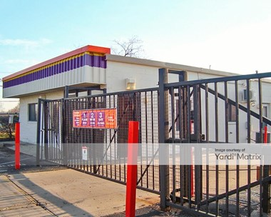 Storage Units for Rent available at 1295 West Lake Street, Roselle, IL 60172 Photo Gallery 1