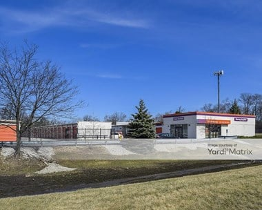 Storage Units for Rent available at 1110 East Roosevelt Road, Lombard, IL 60148 Photo Gallery 1