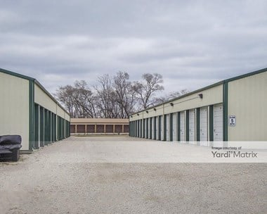 Storage Units for Rent available at 2525 Highland Drive, Morris, IL 60450 Photo Gallery 1