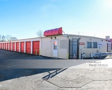 Storage Units for Rent available at 1797 North Delaney Road, Gurnee, IL 60031 Photo Gallery 1