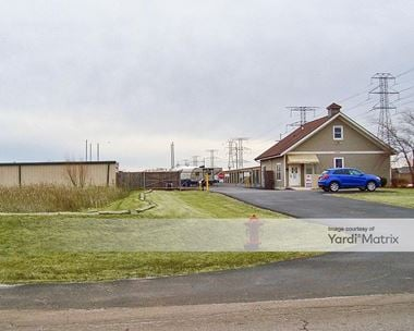 Storage Units for Rent available at 21827 South Schoolhouse Road, New Lenox, IL 60451