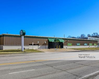 Storage Units for Rent available at 1800 Busse Hwy, Des Plaines, IL 60016