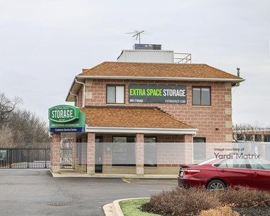 Storage Units for Rent available at 991 Milwaukee Avenue, Deerfield, IL 60015 Photo Gallery 1