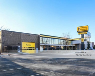 Storage Units for Rent available at 2020 Mannheim Road, Des Plaines, IL 60018 Photo Gallery 1