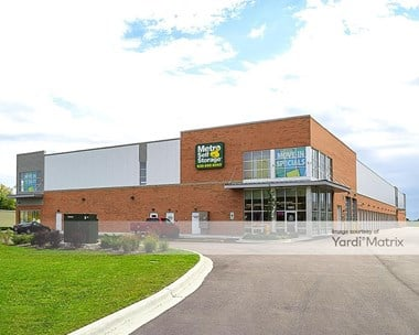 Storage Units for Rent available at 1951 West Lake Street, Addison, IL 60101 Photo Gallery 1