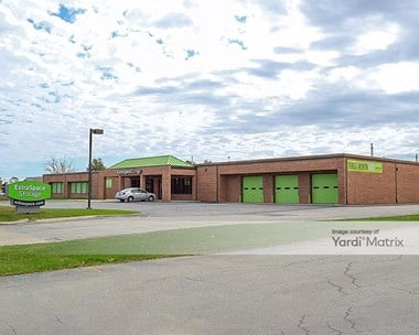 Storage Units for Rent available at 160 West Industrial Drive, Elmhurst, IL 60126 Photo Gallery 1