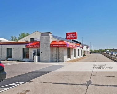 Storage Units for Rent available at 2516 Wabash Avenue, St Paul, MN 55114 Photo Gallery 1