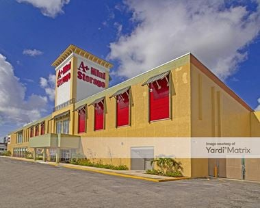 Storage Units for Rent available at 1403 NW 40th Avenue, Lauderhill, FL 33331
