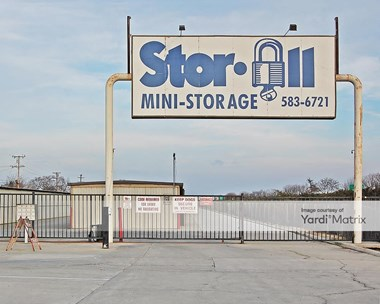 Storage Units for Rent available at 101 8 3/4 Avenue, Hanford, CA 93230 Photo Gallery 1