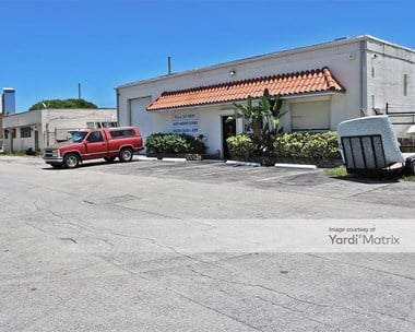 Storage Units for Rent available at 10 SW 23rd Street, Fort Lauderdale, FL 33315 Photo Gallery 1