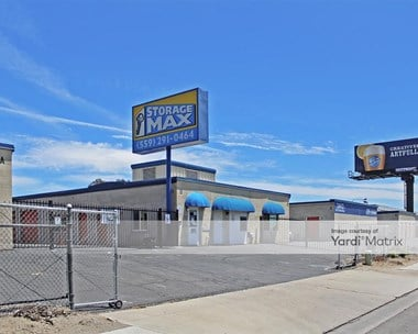 Storage Units for Rent available at 1958 East El Monte Way, Dinuba, CA 93618 Photo Gallery 1