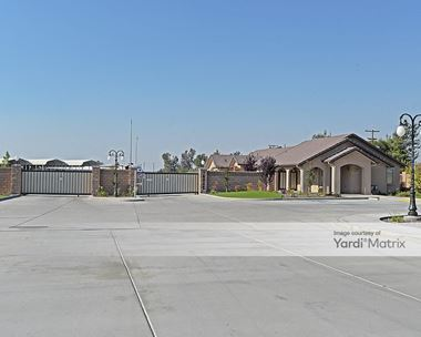 Storage Units for Rent available at 10948 Snow Road, Bakersfield, CA 93314