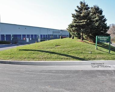 Storage Units for Rent available at 1008 Greenhill Road, West Chester, PA 19380