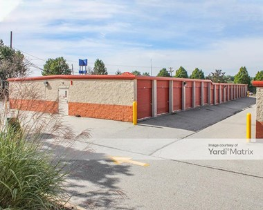 Storage Units for Rent available at 2 Bellecor Drive, New Castle, DE 19720 Photo Gallery 1