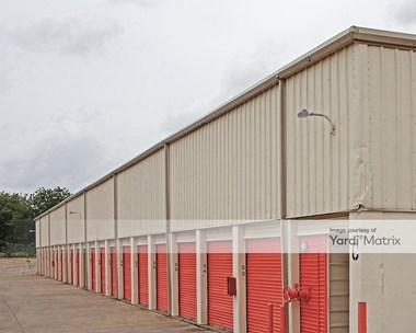 Storage Units for Rent available at 1605 Vilbig Road, Dallas, TX 75208 Photo Gallery 1