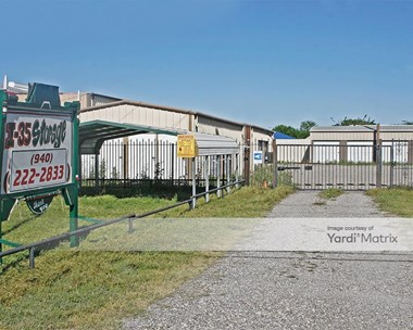 Storage Units for Rent available at 800 South Stemmons Road, Sanger, TX 76266 Photo Gallery 1