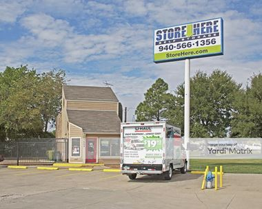 Storage Units for Rent available at 1002 Dallas Drive, Denton, TX 76205