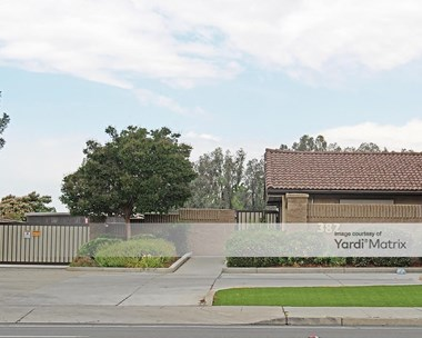 Storage Units for Rent available at 382 East Alluvial Avenue, Fresno, CA 93720 Photo Gallery 1