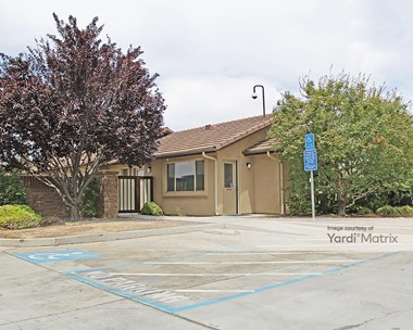 Storage Units for Rent available at 750 North Fowler Avenue, Clovis, CA 93611 Photo Gallery 1