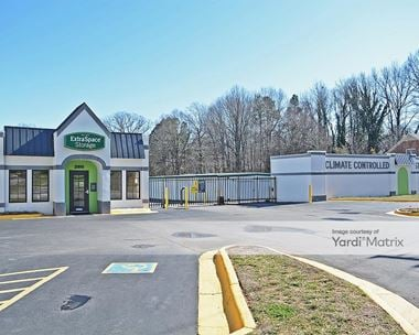Storage Units for Rent available at 2910 Lawndale Drive, Greensboro, NC 27408