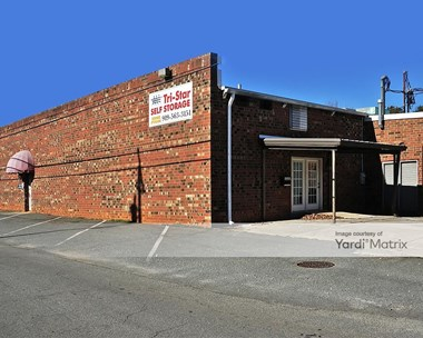 Storage Units for Rent available at 300 Crawford Street, Mebane, NC 27302 Photo Gallery 1