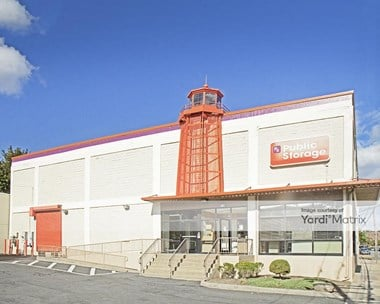 Storage Units for Rent available at 91 Cuttermill Road, Great Neck, NY 11021 Photo Gallery 1