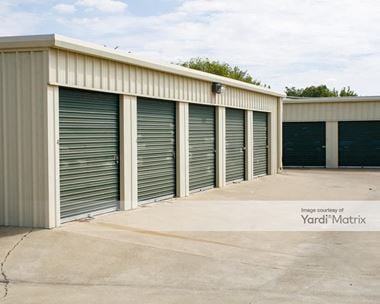 Storage Units for Rent available at 904 South Kaufman Street, Ennis, TX 75119