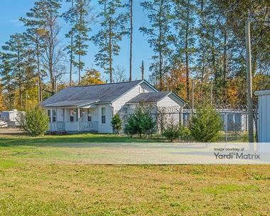 Storage Units for Rent available at 12607 Courthouse Hwy, Smithfield, VA 23430 Photo Gallery 1