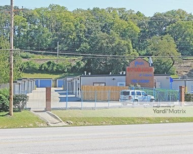 Storage Units for Rent available at 317 North Highway 291, Liberty, MO 64068 Photo Gallery 1
