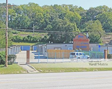 Storage Units for Rent available at 317 North Highway 291, Liberty, MO 64068