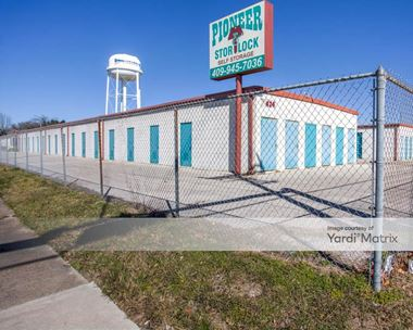 Storage Units for Rent available at 2424 Texas Avenue, Texas City, TX 77590