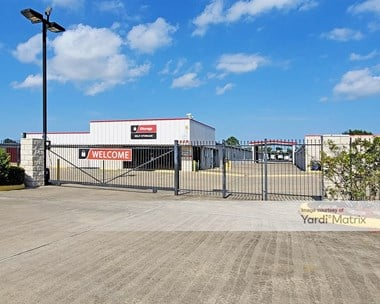 Storage Units for Rent available at 2619 Underwood Road, La Porte, TX 77571 Photo Gallery 1