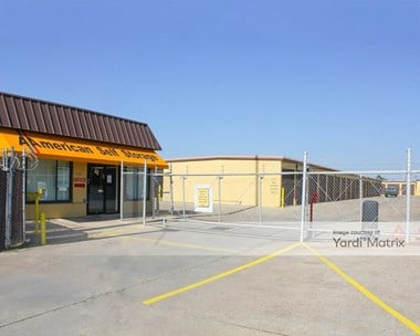Storage Units for Rent available at 525 East Nasa Pkwy, Webster, TX 77598 Photo Gallery 1