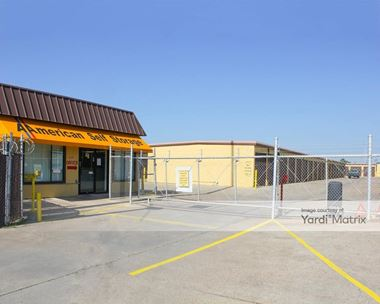 Storage Units for Rent available at 525 East Nasa Pkwy, Webster, TX 77598