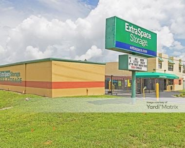 Storage Units for Rent available at 7285 Southern Blvd, West Palm Beach, FL 33413